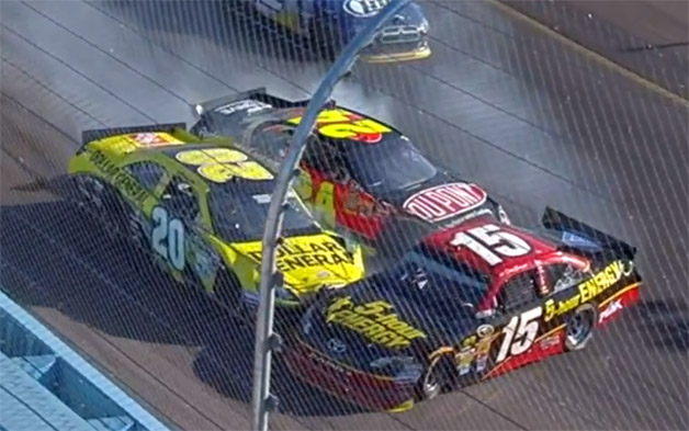 NASCAR Bowyer vs Gordon fight