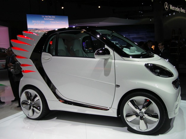 Fashion engineer Jeremy Scott gives Smart Fortwo Electric a little wing bling [w/video]
