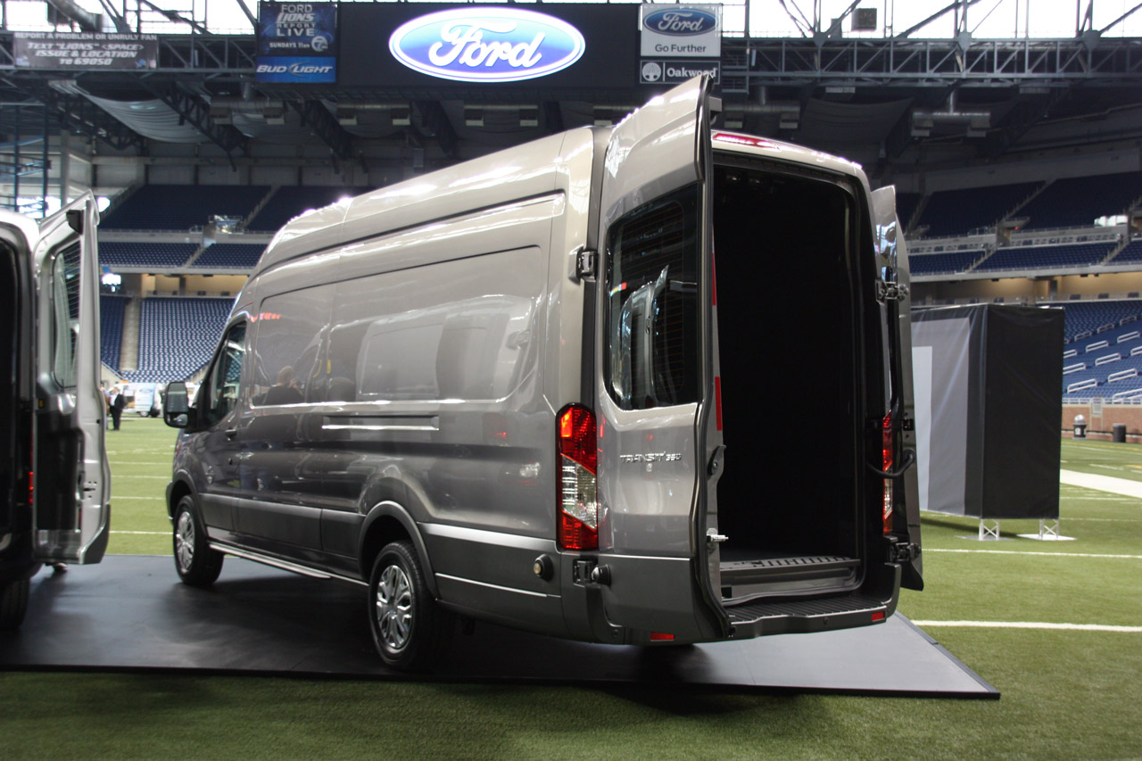 2014 ford transit live photos