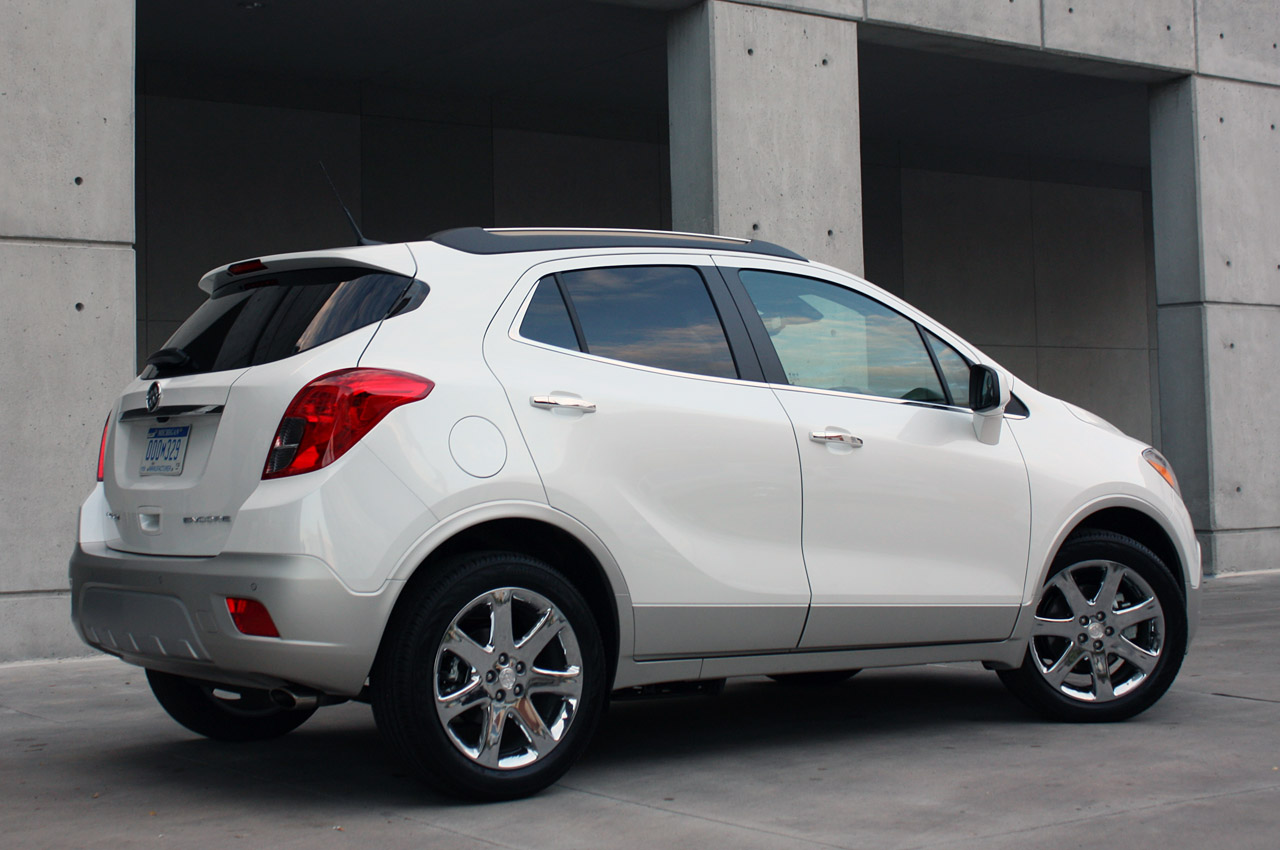 2013 buick encore nets strong iihs nhtsa safety scores. Black Bedroom Furniture Sets. Home Design Ideas