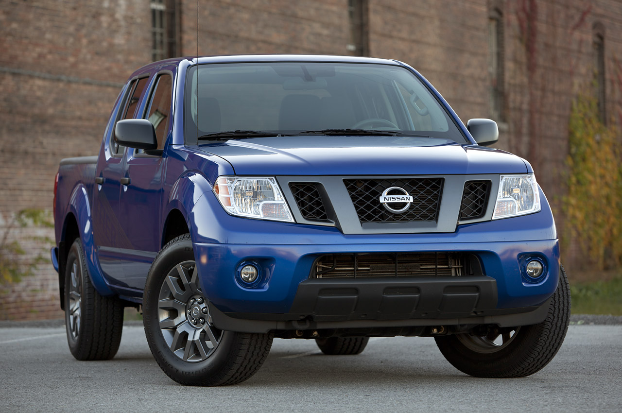 2012 nissan frontier crew cab 4x4 autoblog. Black Bedroom Furniture Sets. Home Design Ideas