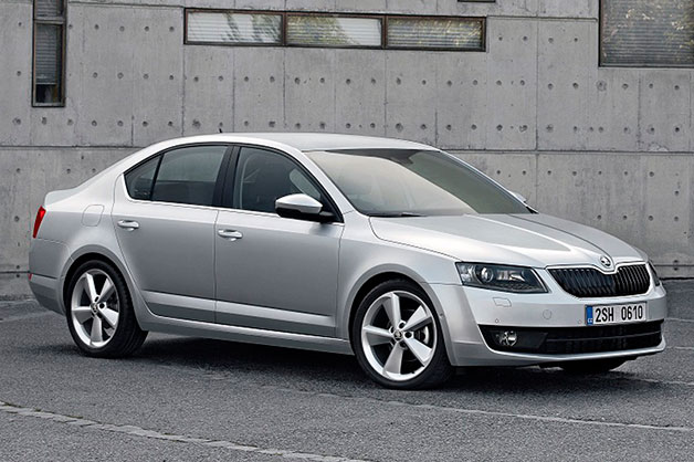 New Skoda Octavia, expel in a same mold, arrives full of latest features