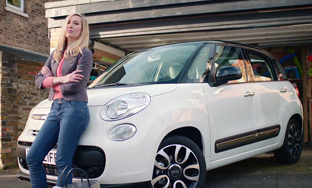 Blonde mom rapper with Fiat 500L