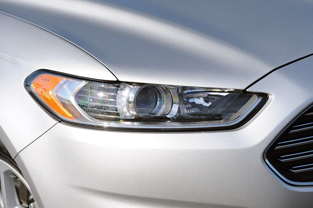 2013 Ford Fusion Headlight
