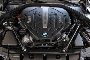 2013 BMW 750Li engine