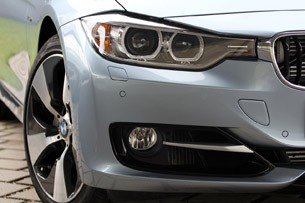 2013 BMW ActiveHybrid 3 front fender