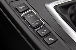 2013 BMW ActiveHybrid 3 drive mode controls