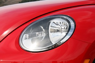 2013 Volkswagen Beetle TDI Convertible headlight