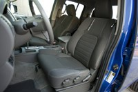 2012 Nissan Frontier Crew Cab 4x4 front seats