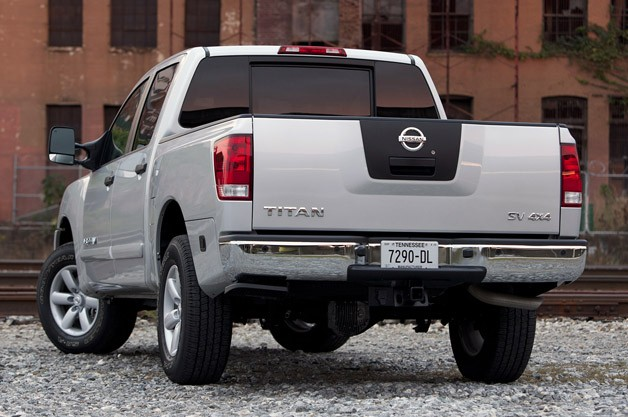2012 Nissan Titan rear 3/4 view