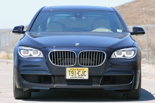 2013 BMW 750Li front view
