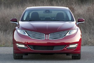 2013 Lincoln MKZ front view