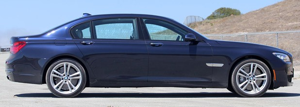 2013 BMW 750Li side view