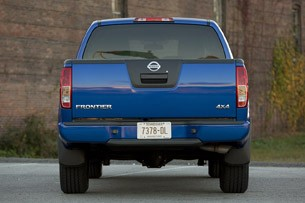 2012 Nissan Frontier Crew Cab 4x4 rear view