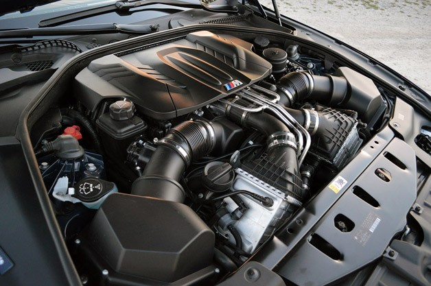 2012 BMW M6 Convertible engine