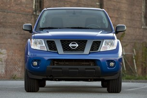 2012 Nissan Frontier Crew Cab 4x4 front view