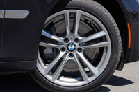 2013 BMW 750Li wheel