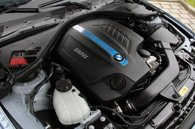 2013 BMW ActiveHybrid 3 engine