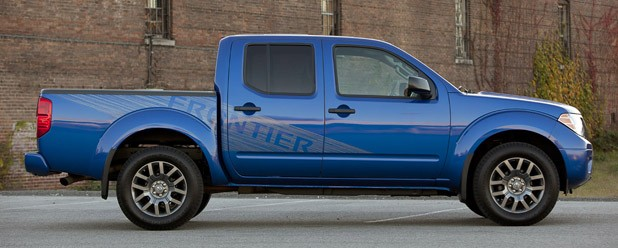 2012 Nissan Frontier Crew Cab 4x4 side view
