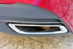 2013 Lincoln MKZ exhaust tip