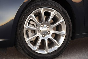 2013 Dodge Dart wheel