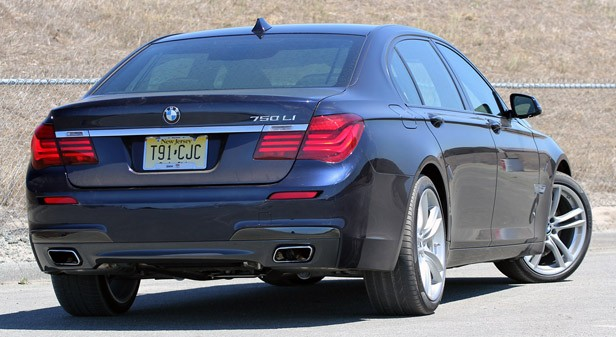 2013 BMW 750Li rear 3/4 view