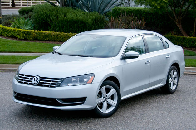 2013 Volkswagen Passat TDi - front three-quarter view