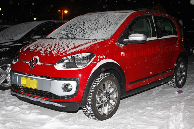 Volkswagen Cross Up! prototype caught during winter testing