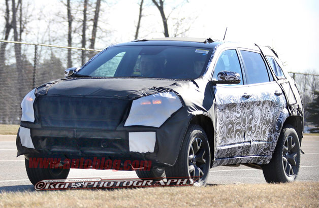 Camouflaged 2014 Jeep Liberty replacement prototype - spy shot