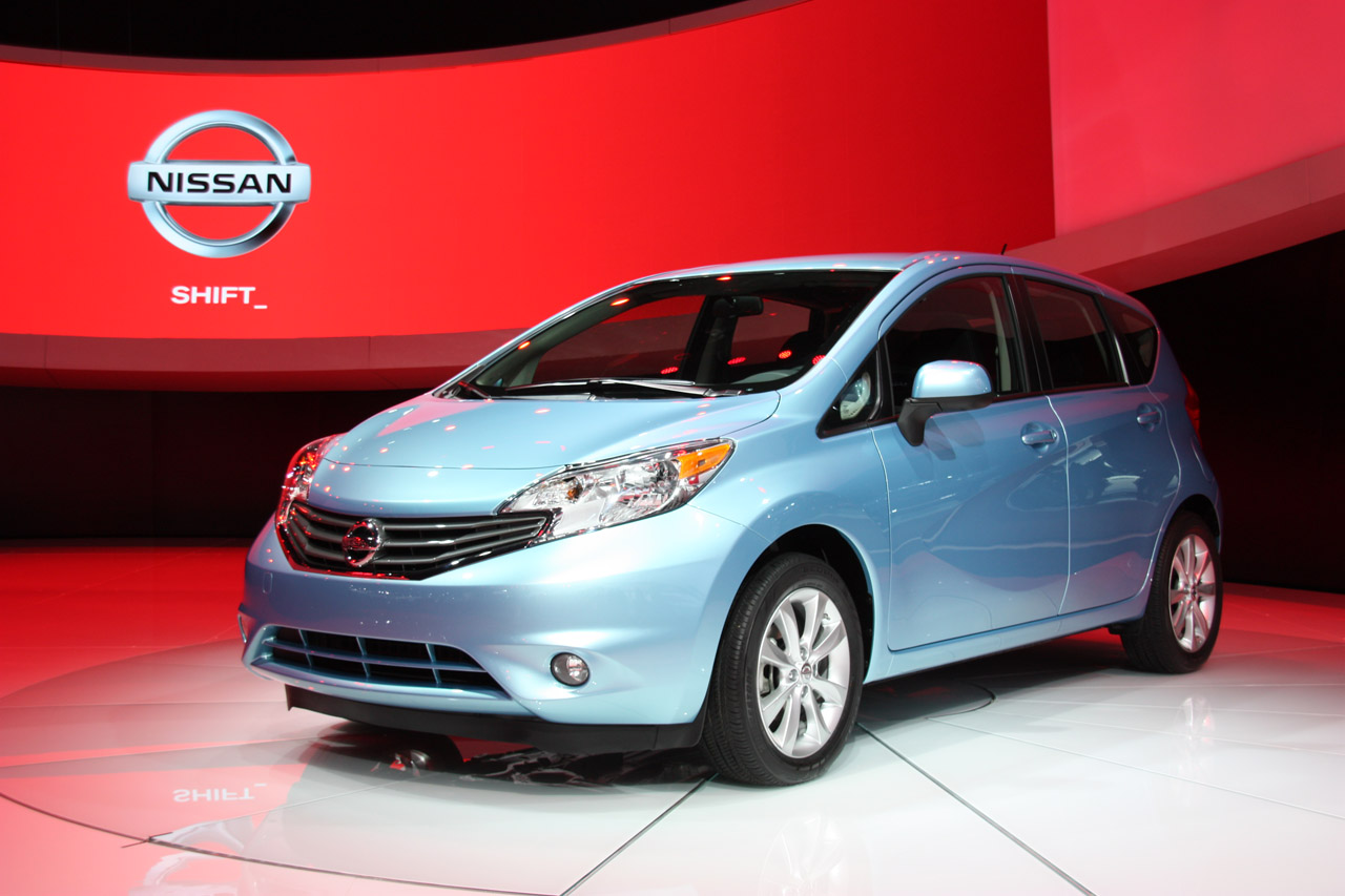 2014 nissan versa note priced from 13 990 autoblog. Black Bedroom Furniture Sets. Home Design Ideas