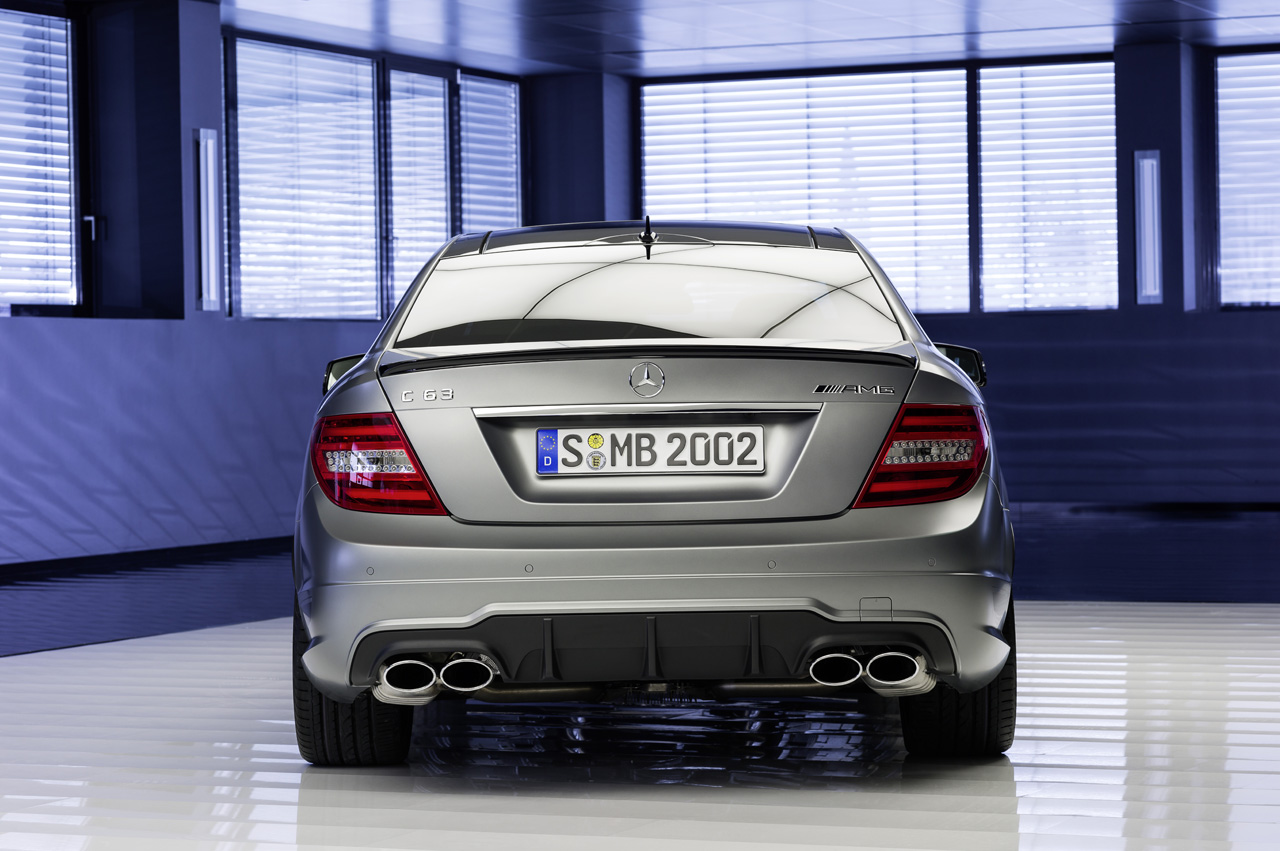 Mercedes benz ups ante with 2014 c63 amg edition 507 for 2014 mercedes benz c63 amg edition 507