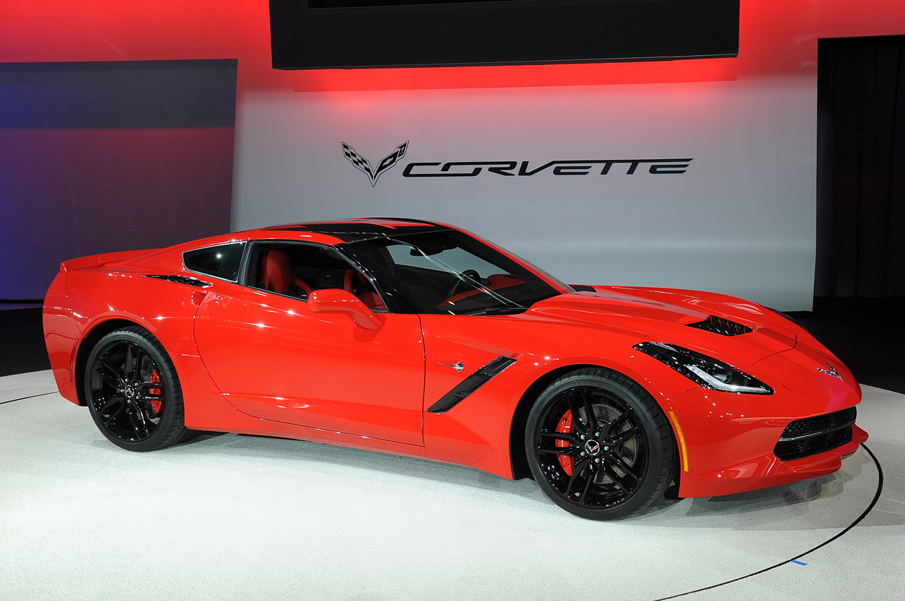 2014 chevrolet corvette stingray detroit 2013 photo gallery autoblog