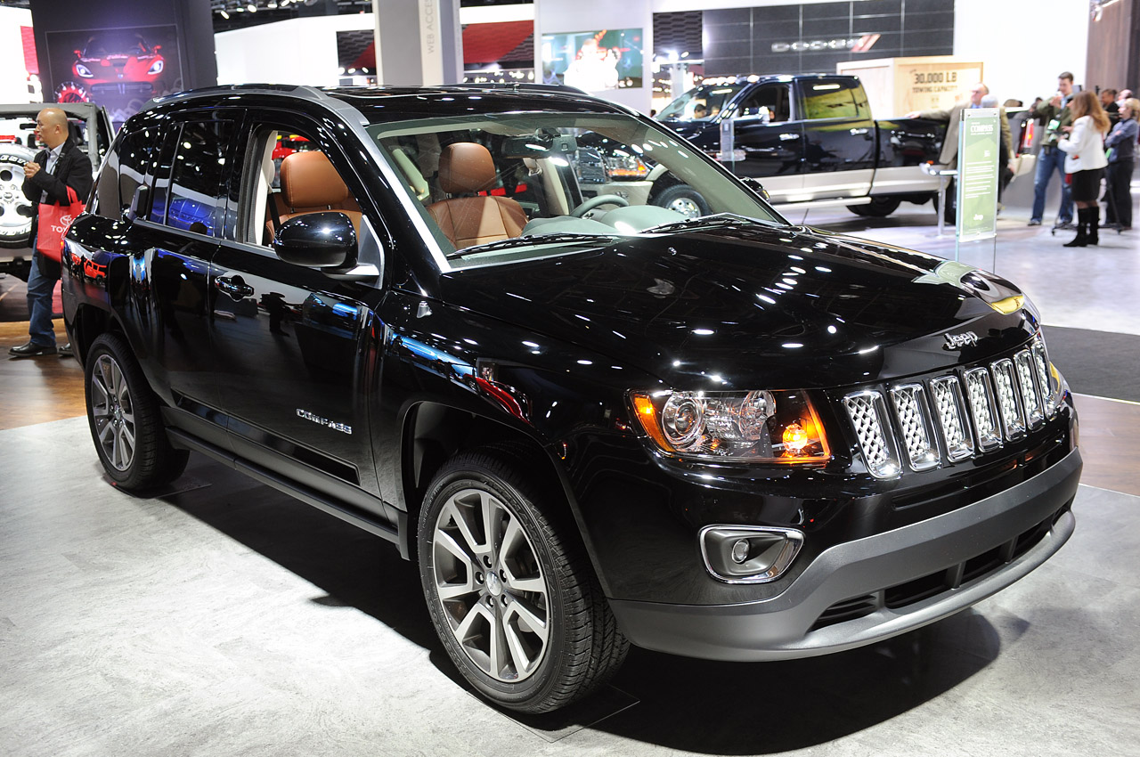 2014 jeep compass patriot sing their swan songs with a six. Black Bedroom Furniture Sets. Home Design Ideas