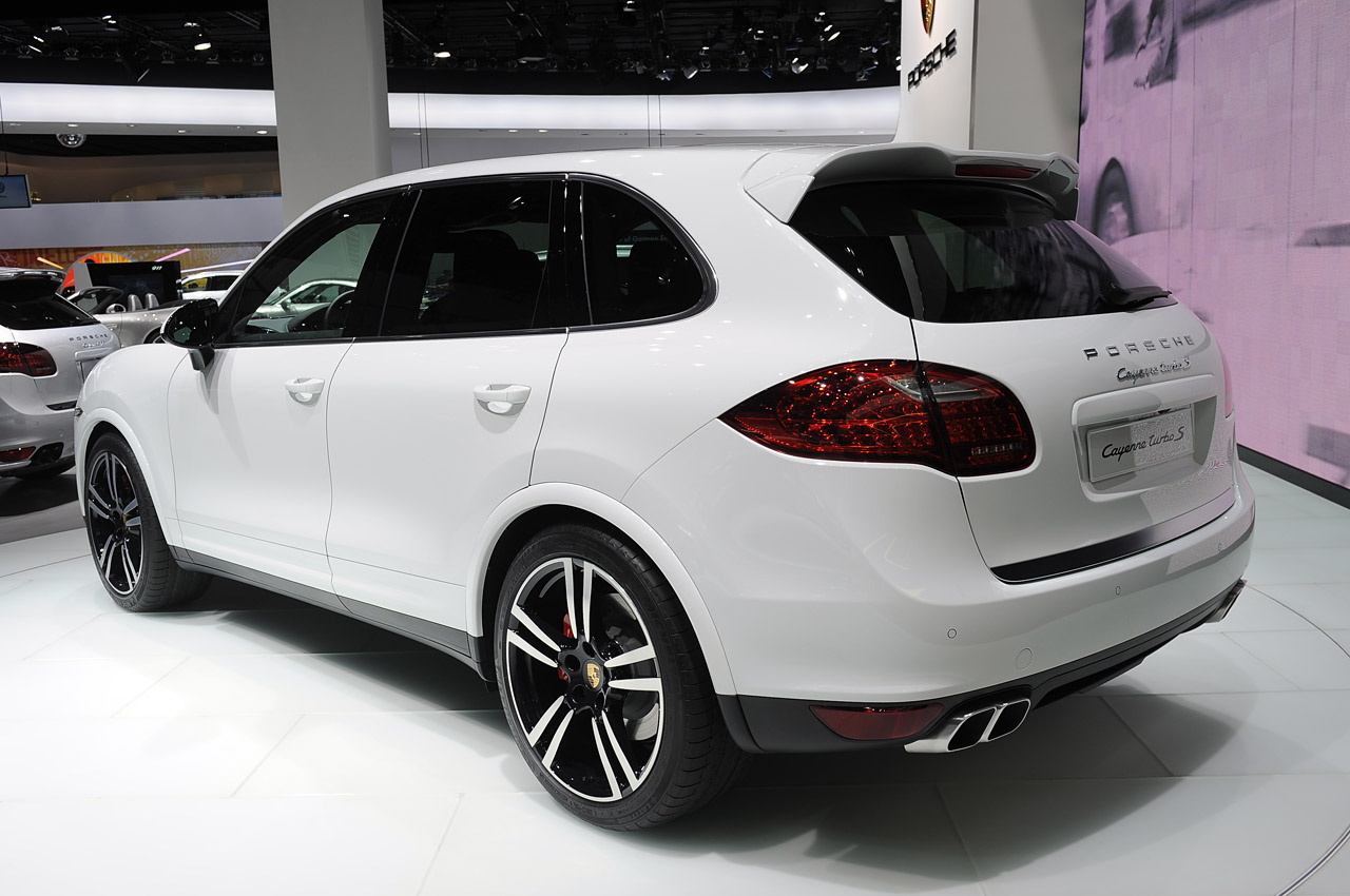 2014 porsche cayenne turbo s detroit 2013 photo gallery autoblog. Black Bedroom Furniture Sets. Home Design Ideas