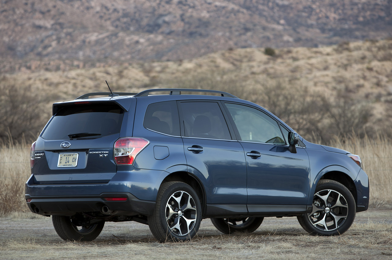 2014 subaru forester xt first drive autoblog. Black Bedroom Furniture Sets. Home Design Ideas