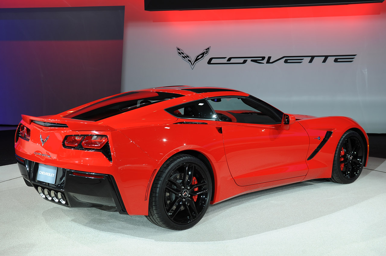 2014 chevy corvette stingray automatic rated at 28 mpg. Black Bedroom Furniture Sets. Home Design Ideas