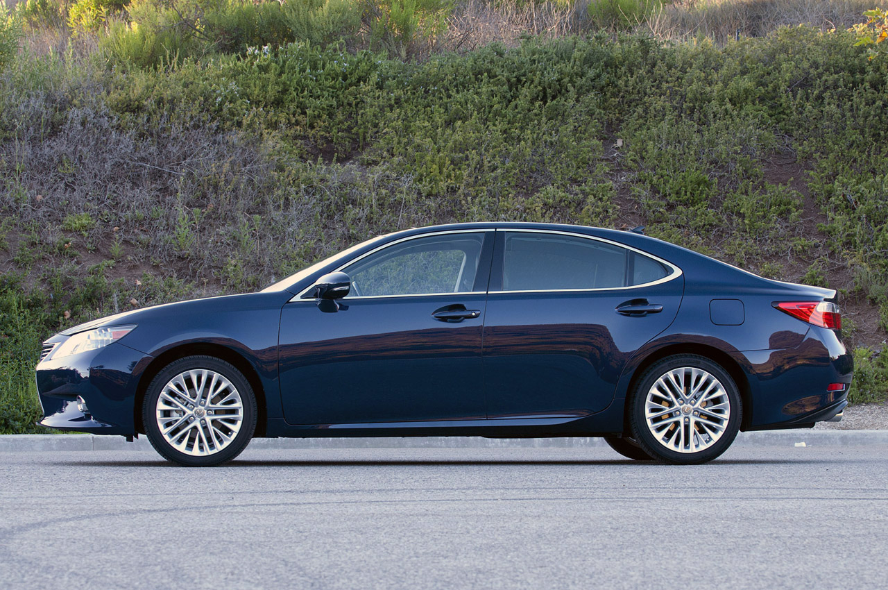 2013 lexus es 350 review photo gallery autoblog. Black Bedroom Furniture Sets. Home Design Ideas