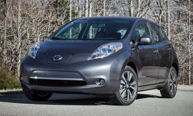 2013 Nissan Leaf - front three-quarter view, charcoal gray
