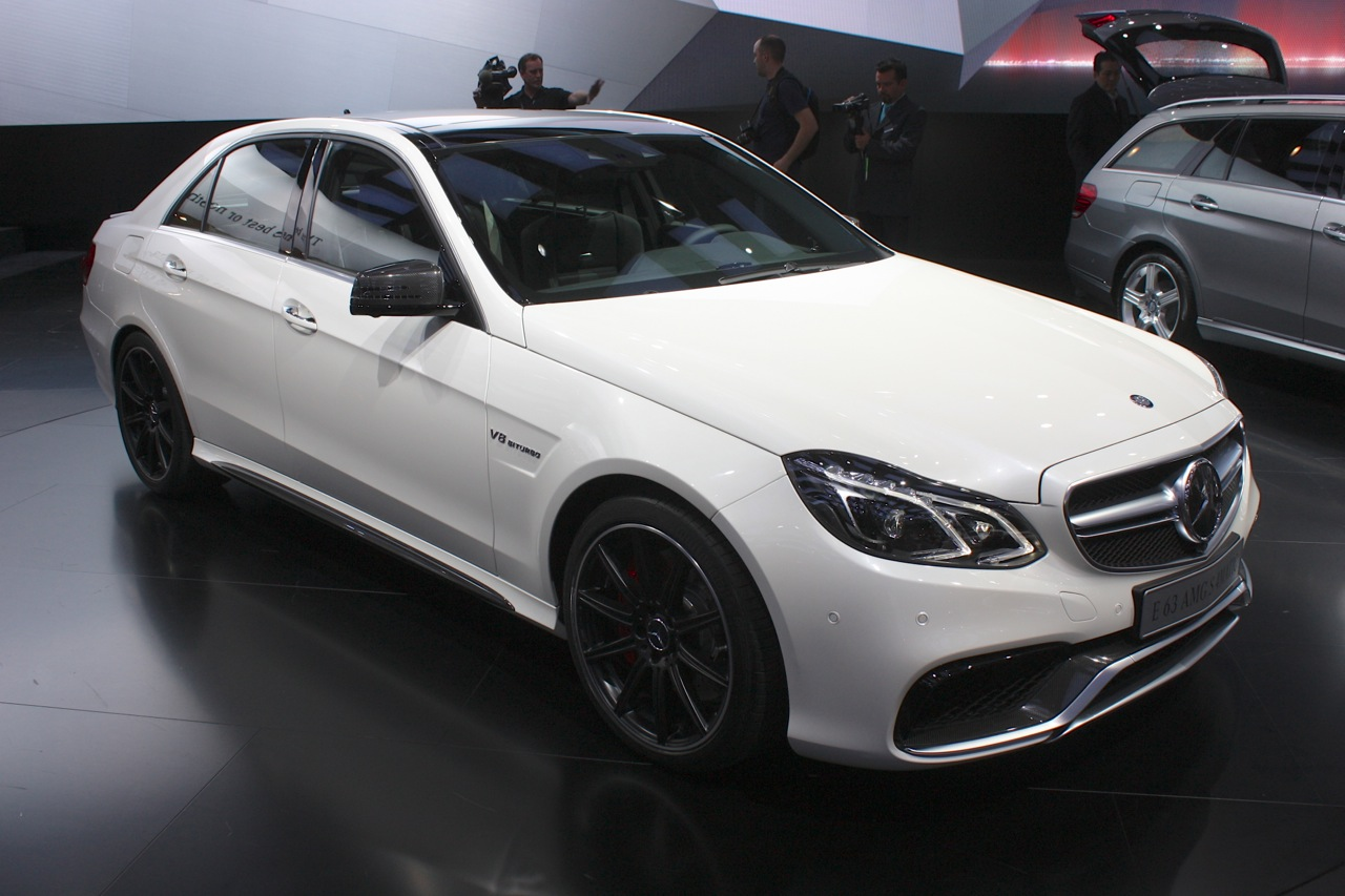 2014 mercedes benz e63 amg rumbles on stage 4matic style autoblog. Black Bedroom Furniture Sets. Home Design Ideas
