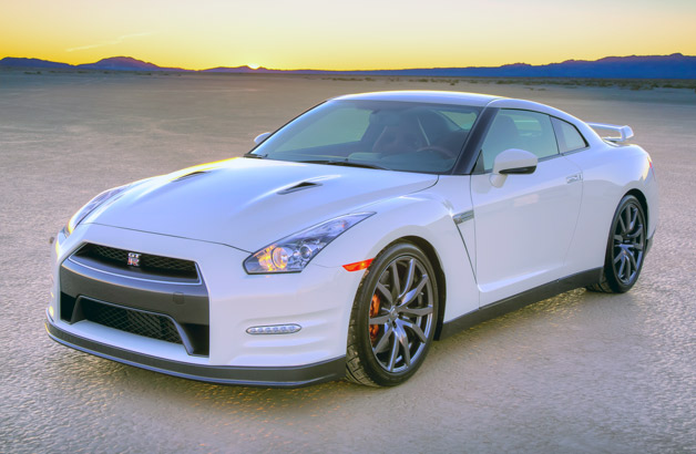 2014 Nissan GT-R - front three-quarter view, white
