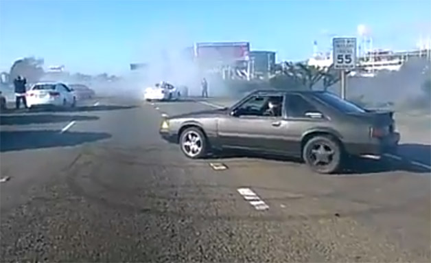Image: Ford Mustang Doing a Donut