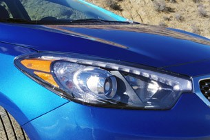 2014 Kia Forte headlight