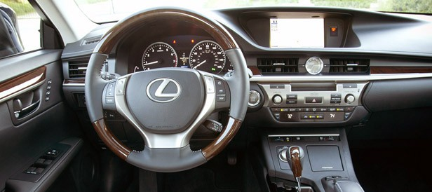 2013 Lexus ES 350 interior