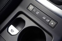2013 Land Rover LR2 drive mode controls