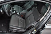 2013 Acura ILX front seats