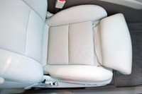 2013 Cadillac XTS front seat