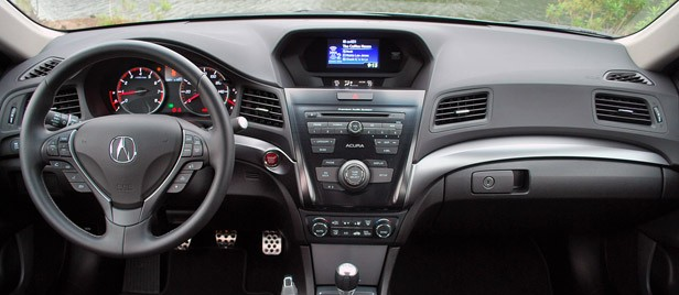 2013 Acura ILX interior