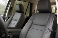 2013 Land Rover LR2 front seats