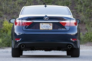2013 Lexus ES 350 rear view