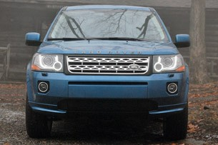 2013 Land Rover LR2 front view